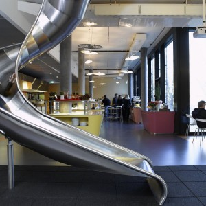 Rutsche im Züricher Google Office. Quelle: Google.com